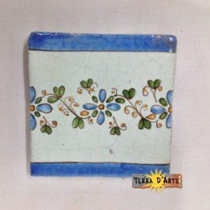 Mattonelle decorata a mano Fiorellini fascia - TERRA D'ARTE